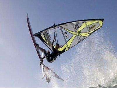Corso windsurf+Uso attrezzatura 1settimana Formia