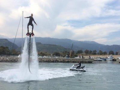 Sessione di Flyboard 30 minuti a Badolato Marina