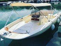 barca pronta al noleggio