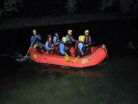 Rafting di notte