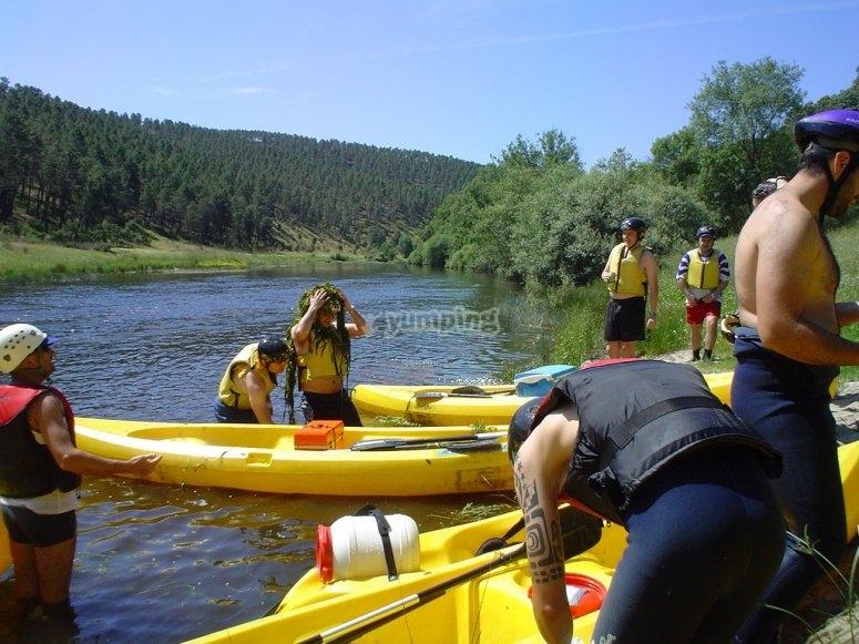 4 ore di lezione collettiva di canoa in Val Sesia
