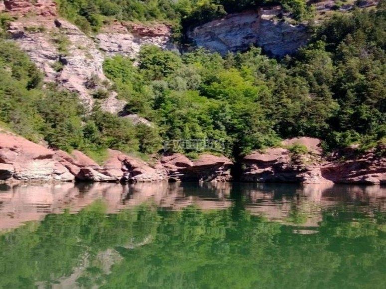 Corso di canoa per il fiume Noce