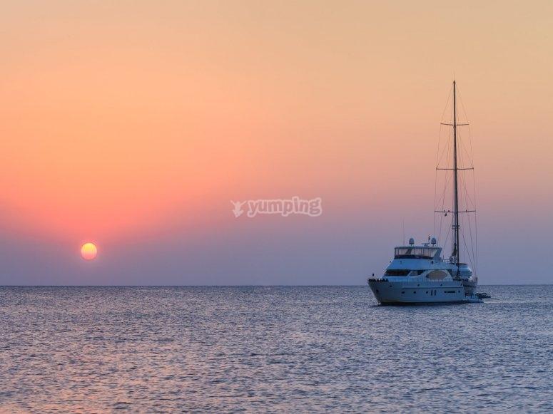 crociera al tramonto