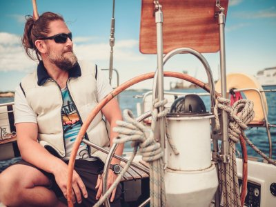 Gita in barca esclusiva di 2 ore 30 Costa Azzurra