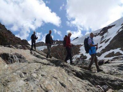 Trekking livello medio, 8 ore a Taviela Vioz