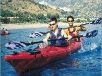 Kayak sul mare della Sicilia
