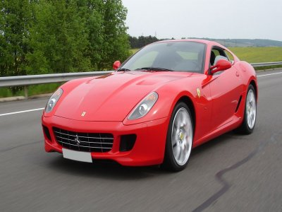 Jet Punto Sardegna Guidare una Ferrari