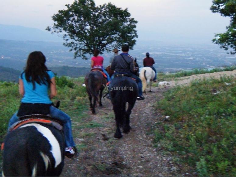 Escursione di gruppo a cavallo in Costiera Amalfitana