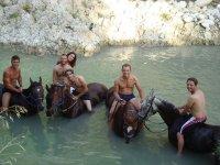 A cavallo nel fiume Sosio