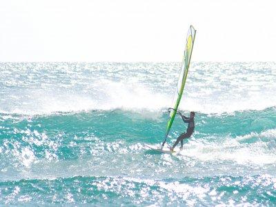 Noleggio windsurf Badolato Marina 1 ora