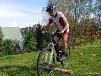 Corso di Mountain Bike - Superamento ostacolo