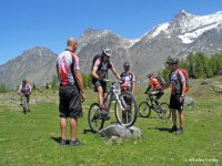 Scuola di Mountain Bike - Superamento ostacolo