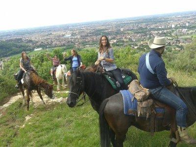 Gita a cavallo a Beselga di Piné con uno spuntino