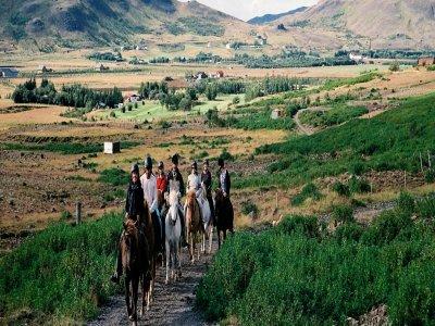 Tour a cavallo con pranzo Baselga di Piné