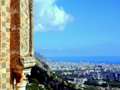 Guided tour of Palermo lasting two hours