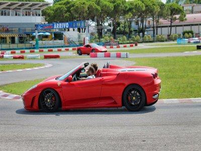 3 giri in pista con la Ferrari 430 Spider ad Arese