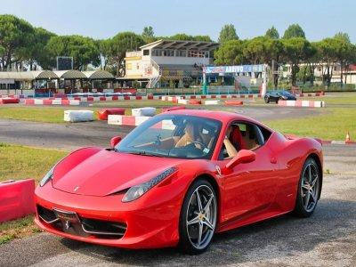 3 giri di pista in Ferrari 430 circuito di Busca