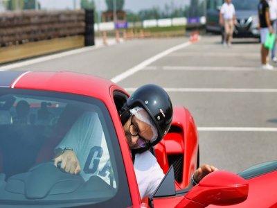 4 giri con la Ferrari 430 nel circuito di Busca