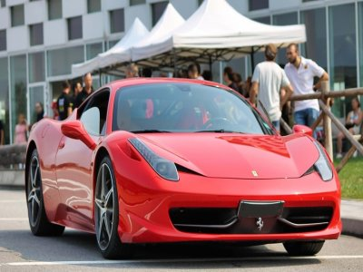 5 giri in una Ferrari 430 in pista a Busca