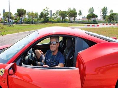1 2-hour Ferrari ride on the Sarno circuit