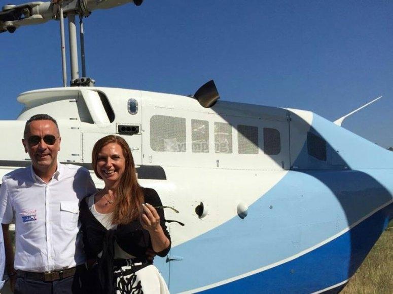 La felicità dopo il tour privato in elicottero