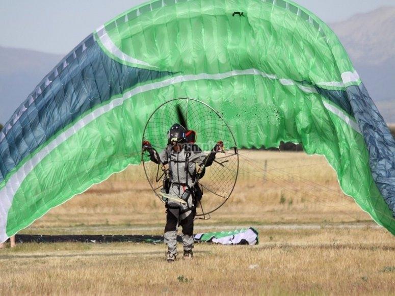 paramotore all' atterraggio