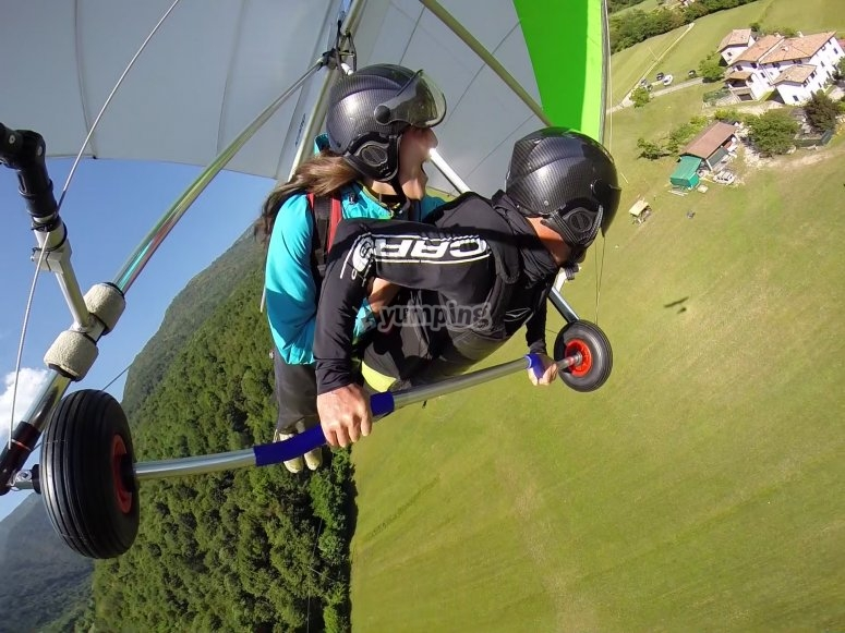 Hang-gliding in Lombardy