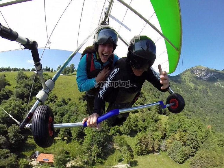 Tandem Two-seater hang-gliding