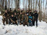Foto di gruppo con ospiti post partita innevata