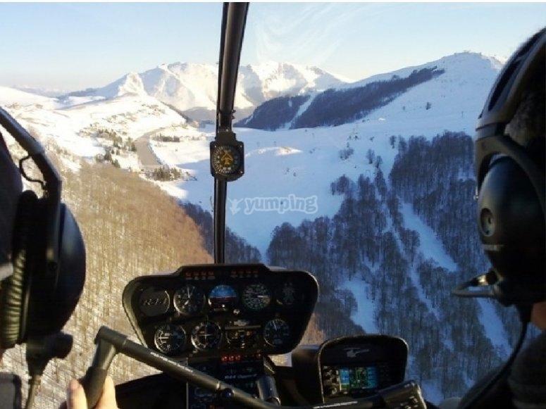 in elicottero sulle prealpi