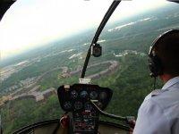 pilota il nostro elicottero su Milano