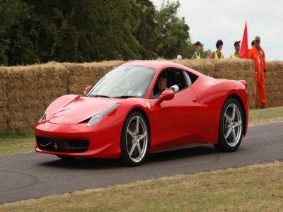 Un giro con una Ferrari 458 a Varano PR