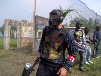 Un avventuriero del Paintball-Fun
