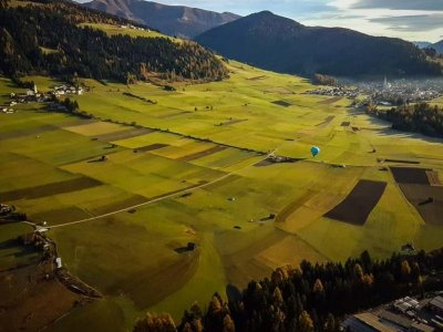 Volo in mongolfiera con aperitivo in Val Pusteria