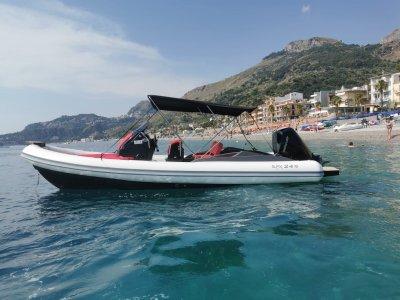 Dinghy rental in Mazzarò Bay for 2 hours