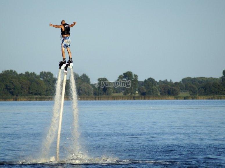 volando sull'acqua