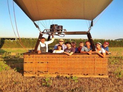 Volo in mongolfiera di gruppo a Mondovì 1 ora