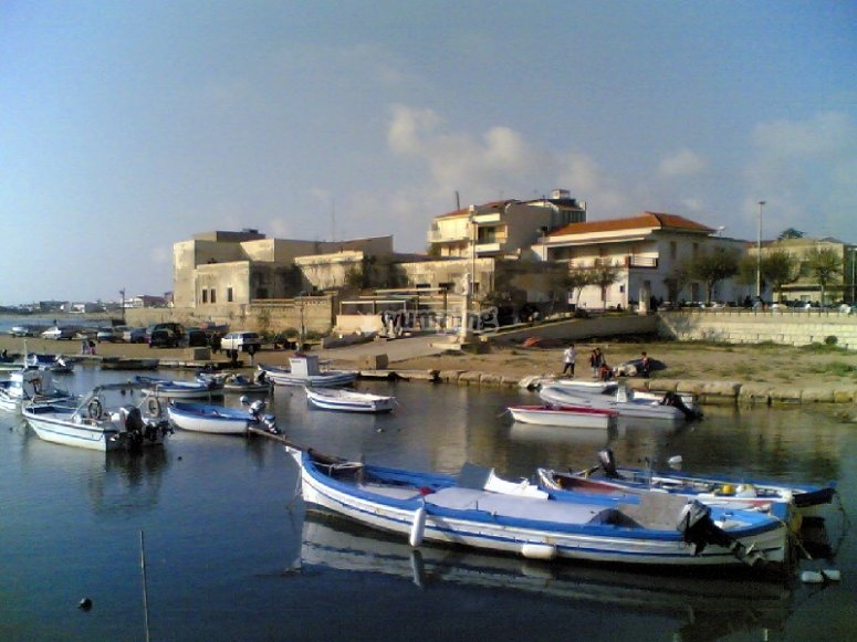 Il porto di Punta Secca