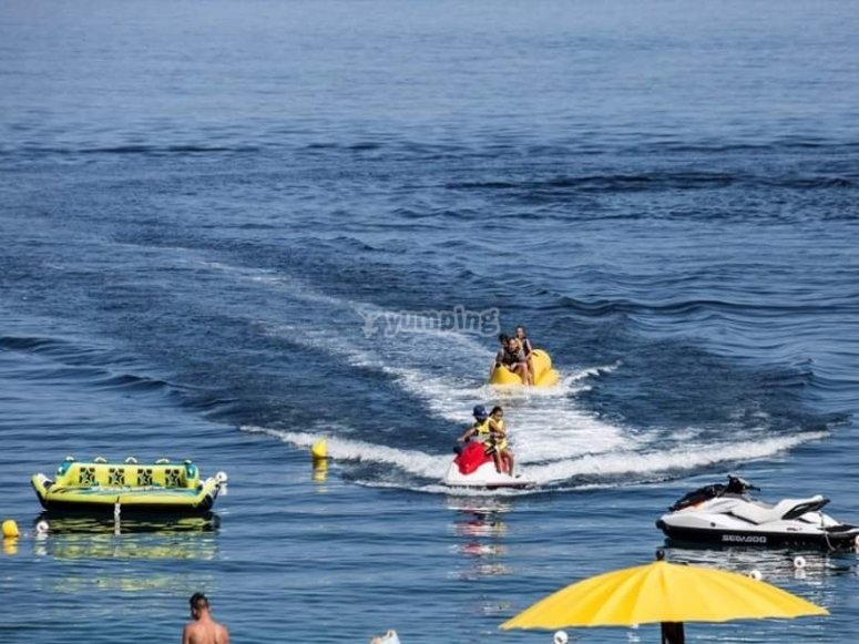 banana boat in Sicilia