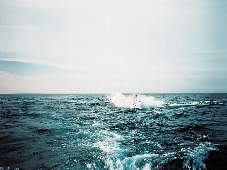 tra le onde