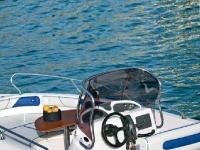 la  nostra imbarcazione nel mare della sardegna