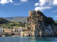 Dinghy rental in Castellammare for 4 hours