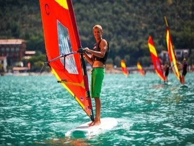 Corso di windsurf per principianti