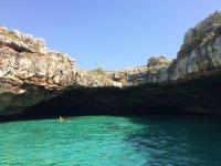 leuca grotta del fiume da visitare in canoa
