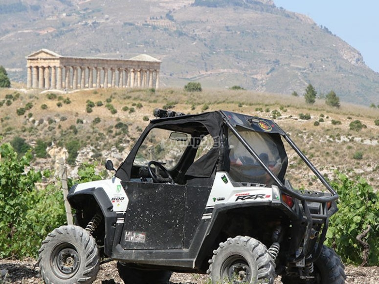 Buggy parked at the temple of Segesta