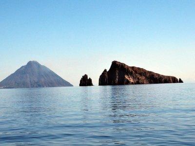 Giornata in barca tra Panarea e Stromboli