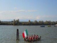 Equipaggio tipo su canoa