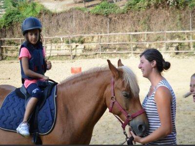 Lezione di equitazione a Canale di un'ora