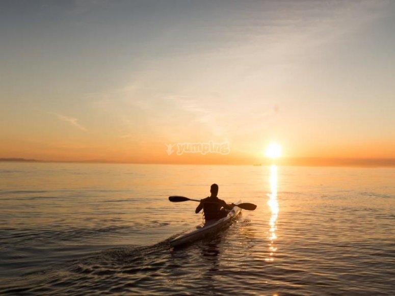 Canoa al tramonto