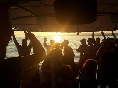 Tour in Yacht al tramonto da Torre Vado di 2 ore